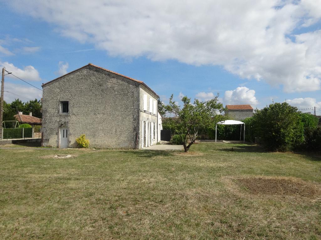 Maison  à louer Jarnac 9 kms