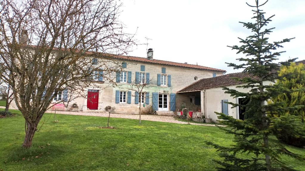 Maison  proche Châteauneuf Sur Charente  6 km