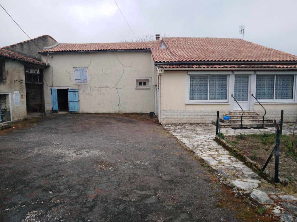 Maison AIGRE 5 Kms