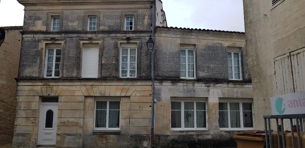 Maison Matha 12 Kms direction Rouillac