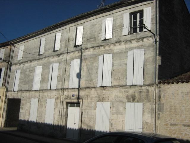 Immeuble loué à Jarnac
